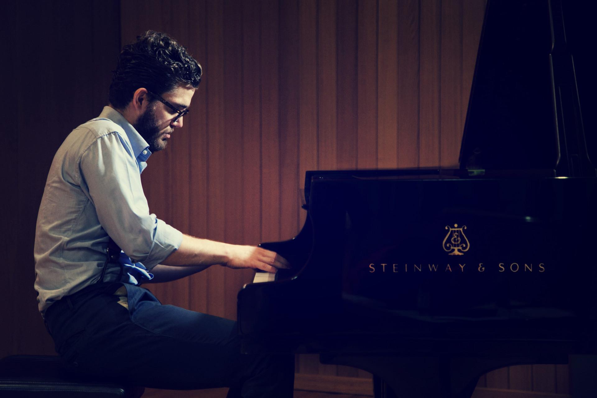 Andrea Ghini, pianista e compositore